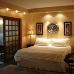 Executive Suite (Room 5)