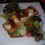 Salade de chèvre et tomates confites