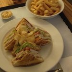 10/10 Club Sandwich & Chips !