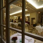 L' Epicure Preparing for Evening Dinner In a Beautiful Room