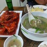 chilli tiger prawns and mini geoduck in ginger soup