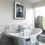 The-Wellesley-Bathroom