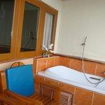 bathtub balcony