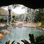 área de piscinas, con aguas termales