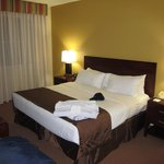 Main bedroom has Diamond Resorts towels on the king sized bed