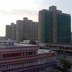 Blick aus Hotelzimmer auf die Wahrzeichen Halle-Neustadts