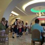 Soirée folklorique à l'hôtel Magna graecia