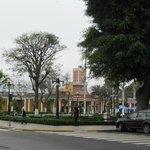 Praça no centro do bairro