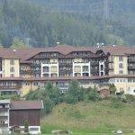 Blick auf das Hotel vom Moos aus!