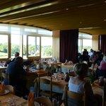 Une des salles à manger (vue panoramique)