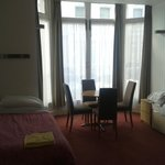 single bed + window