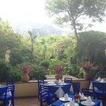 Hermosa vista, con sensación de frescura, muy agradable el lugar, la comida es rica, sin duda de