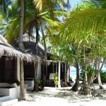 Beach bungalows before renovation