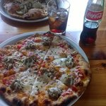 Fennel sausage and mozzerella pizza