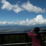 北八ヶ岳ロープウェイ 山頂駅展望デッキから茅野市街方面の眺望