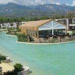 Villa blokları,havuz ve restaurant