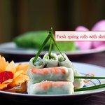 Fresh spring rolls with shrimp and pork