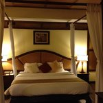 bed in suite room