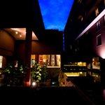 中庭/Hotel in night