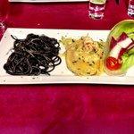 Bis di primi...spaghetti al nero di seppia e tortelloni al branzino!