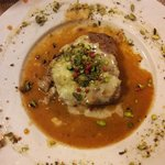 Veal fillet with gorgonzola cheese