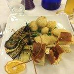 focaccine pugliesi,grissini nostrani,frittelline assortite,calzoncelli ripieni,verdurine griglia