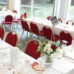 Décoration salle mariage N&P Table en U très pratique