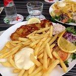 Schnitzel- eine wirklich riesige Portion :)
