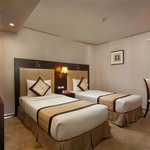 Classic Twin Bed Room