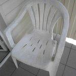 жуткий стульчик с балкона