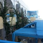 terasa restorana sa pogledom na plazu