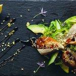 Кайсо салат с копченным угрем