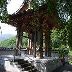 2. 長谷寺鐘楼(境内から)