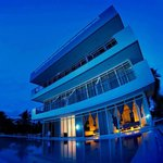 Bohol South Beach Hotel resmi