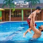 Compartir Familiar en Nuestra Piscina (Las Palmas Inn)