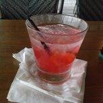 happy hour 2 dollar drinks!!