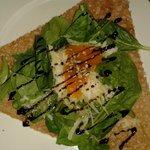 crepe de espinacas, queso y confitura