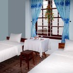 Twin Room (A/C, fan, wifi) with private bathroom