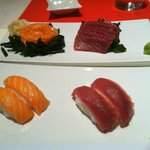 Sushi misto con tonno e salmone e nigiri tonno e salmone