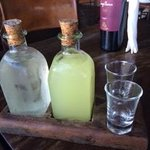Lemonchelo e Cachaça cortesia do restaurante