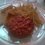Lo mejor el Steak Tartar al Jack Daniels, de 9!!