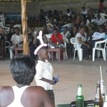 Танцы кенийских детишек