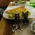 Swampy and Beefy having fish at Cafe Hummel
