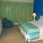 Kingsize Bed in One Bedroom Condo