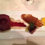 De : BrigitteEscalope de Foie Gras, mousseline d'artichaut, poire pochée au vin