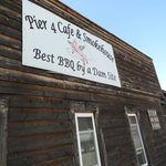 Pier 4 Cafe & Smokehouse, Alma, WI