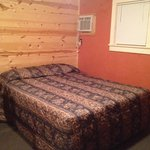 Bed (cabin 9)