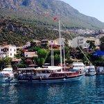 Evita teknesi Kaş Liman'ından ayrılırken...