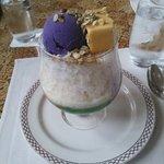 ハロハロです。紫芋のアイスですが、日本のようなしっかりした味ではありませんでした。