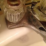 everything in bathroom is rusted and felt like it hadn't been cleaned